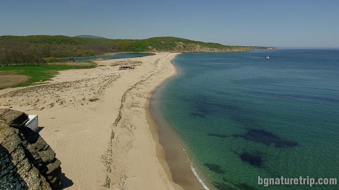 Южната страна на плаж Косата до устието на Велека