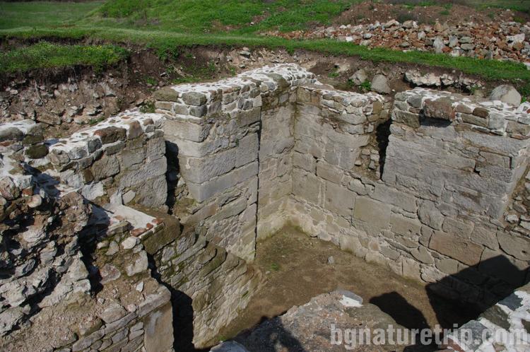 Дебелт Деултум Отбранителна-кула