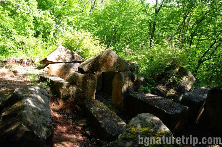 Разходка-екопътека-Странджа Малко Търново Пропада-Римска-гробница-1