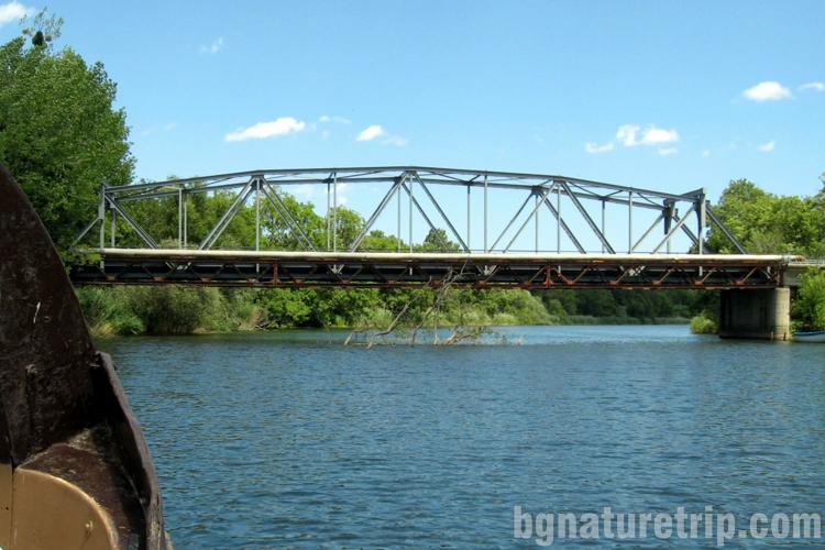 Разходка река Велека Синеморец-вход-мост-стоманен