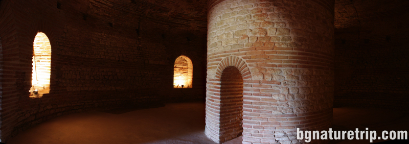 Поморие-тракийска-куполна-гробница-камера-куха-колона1-куха-могила-мавзолей