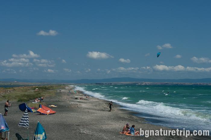 Плаж при косата на Поморийско езеро