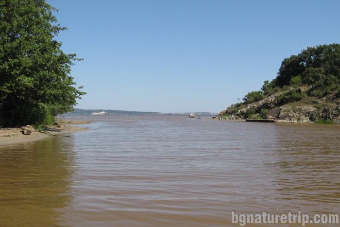 река-Ропотамо-устие-лодка-разходка-Приморско