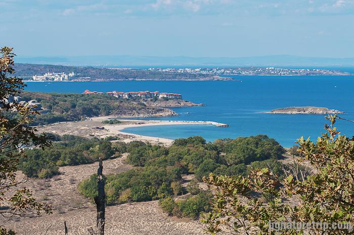 Плаж Аркутино наблюдаван от същото място в ранна есен