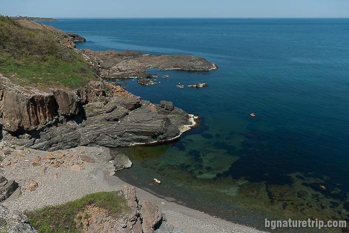 """Малкото плажче - поглед на север от """"Разделената канара"""""""