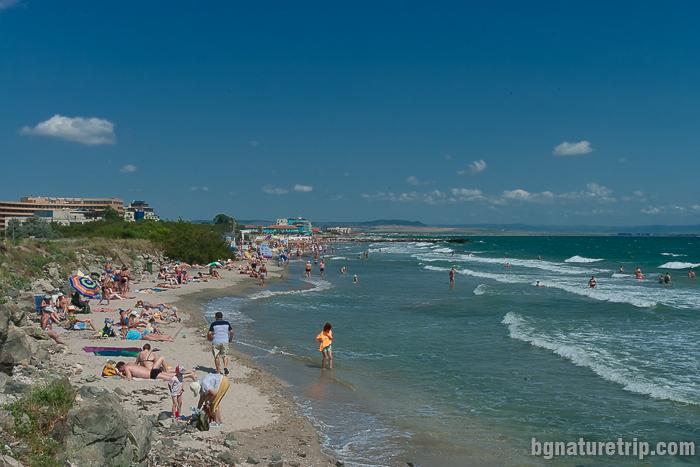Началото на централния плаж в Поморие