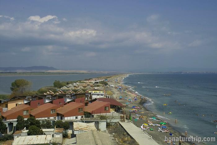 Поморие дивия плаж в източната част край Поморийско езеро