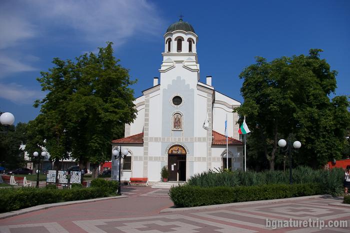 Църквата Св. Рождество Богородично в центъра на града