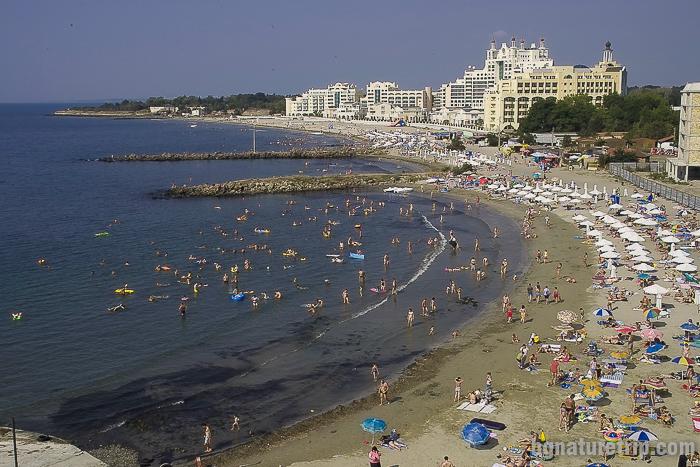 Плажът в новия град на Поморие