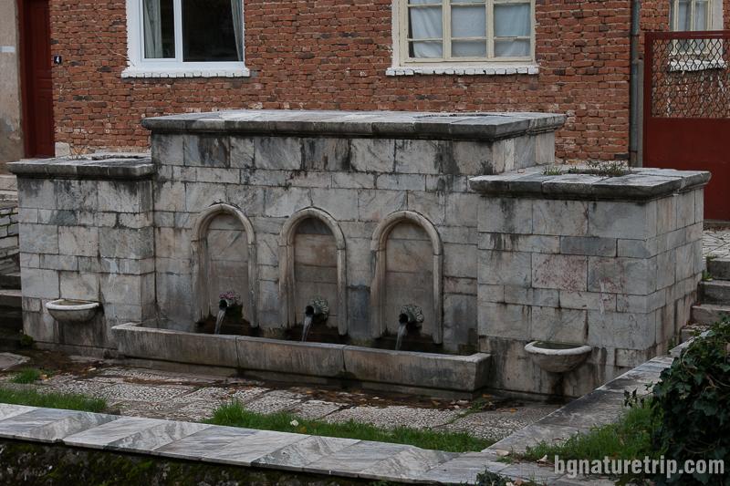 Големият врис - чешма на площада на Малко Търново