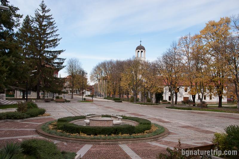 Площадът на съвременния Малко Търново