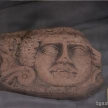 Фрагмент от покрива на антична тракийска къща (V-ти в. пр. Христа) с изображение на Горгона Медуза - за пропъждане на зли сили