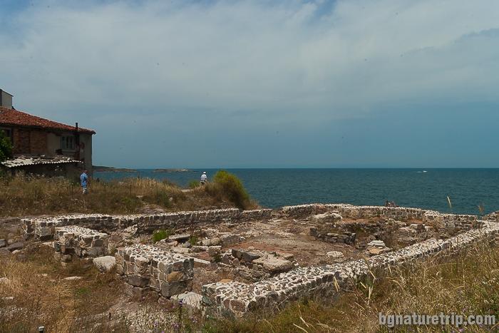 Разкопки на манастира Св. Апостоли, на полуостров Скамния Созопол - Старият град