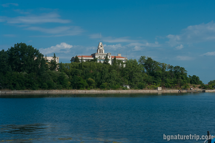 Бившето рибраско училище на остров Св. Кирик