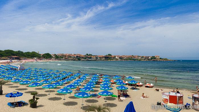 Централният плаж на Созопол близо до Морската градина в центъра