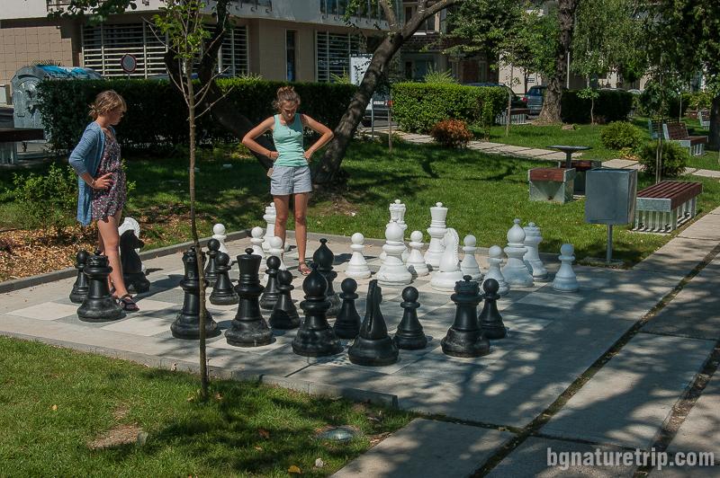 Шах с големи фигури в Морската градина на Царево