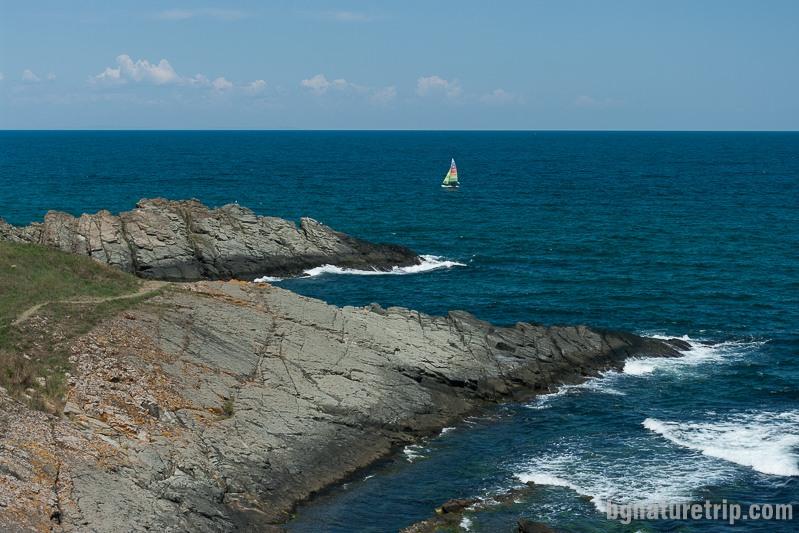 Поглед към лазурносиния хоризонт от Синеморец
