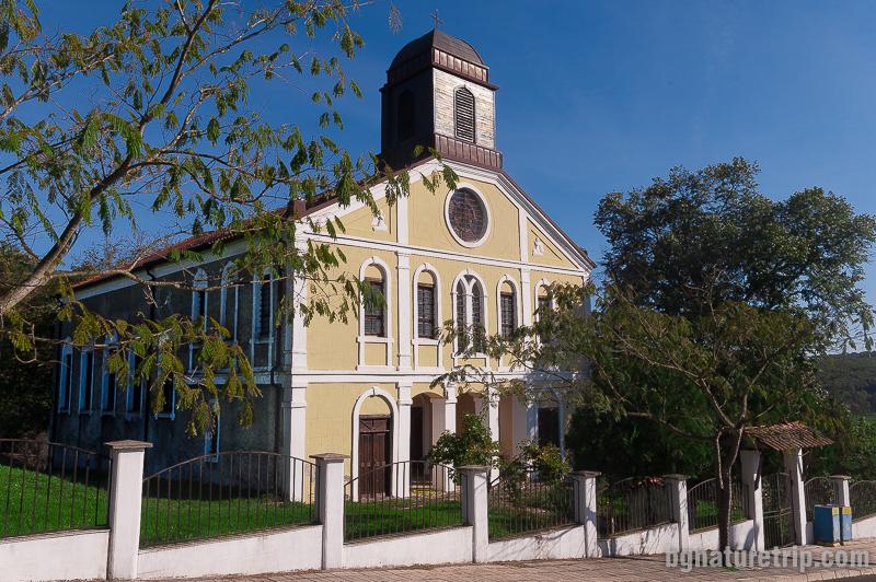 Църквата Св. Пантелеймон в Бродилово