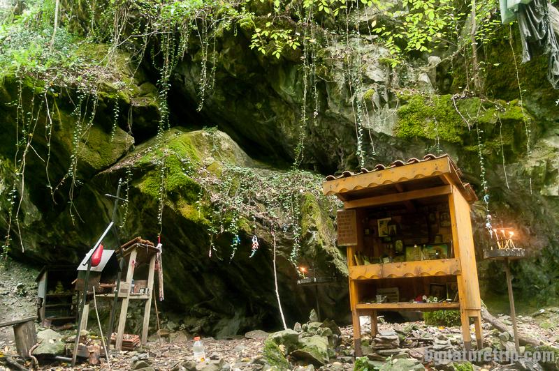 Параклисът на открито при Индипасха