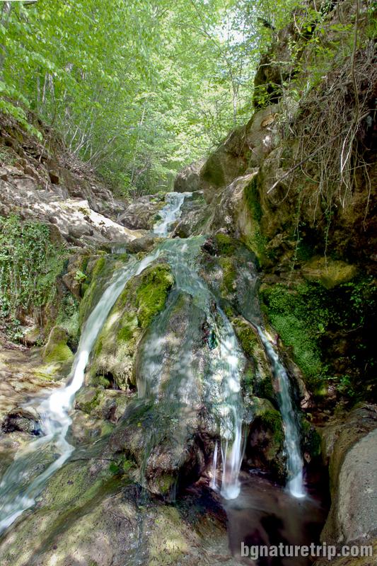 Водопад Райков вир