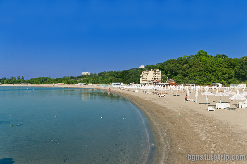 Южният плаж на Китен наричан също и Карагаач