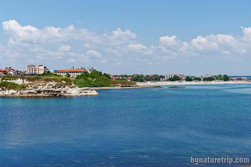 Гледка към бреговете на Лозенец от скалата с кръста