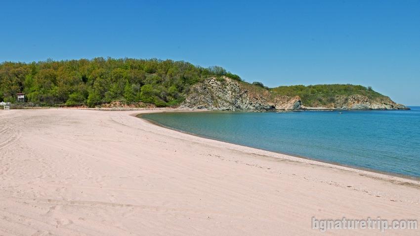 Силистар през пролетта, когато плажът е напълно пуст