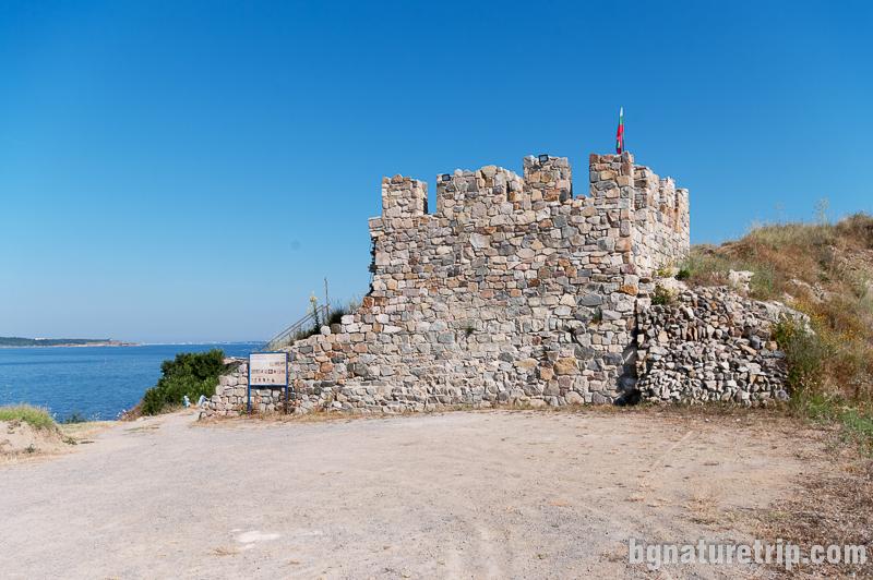 Крепостта Акра в Черноморец
