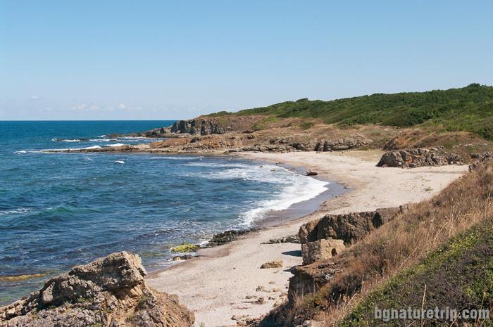 Изглед към дивия плаж Листи (Синеморец) от север на юг