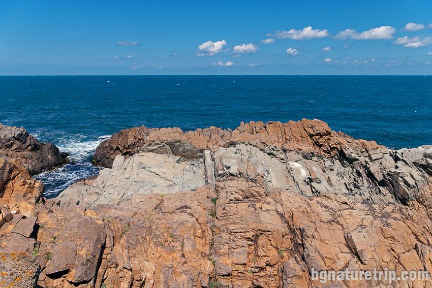 Още от скалистите брегове на Резово