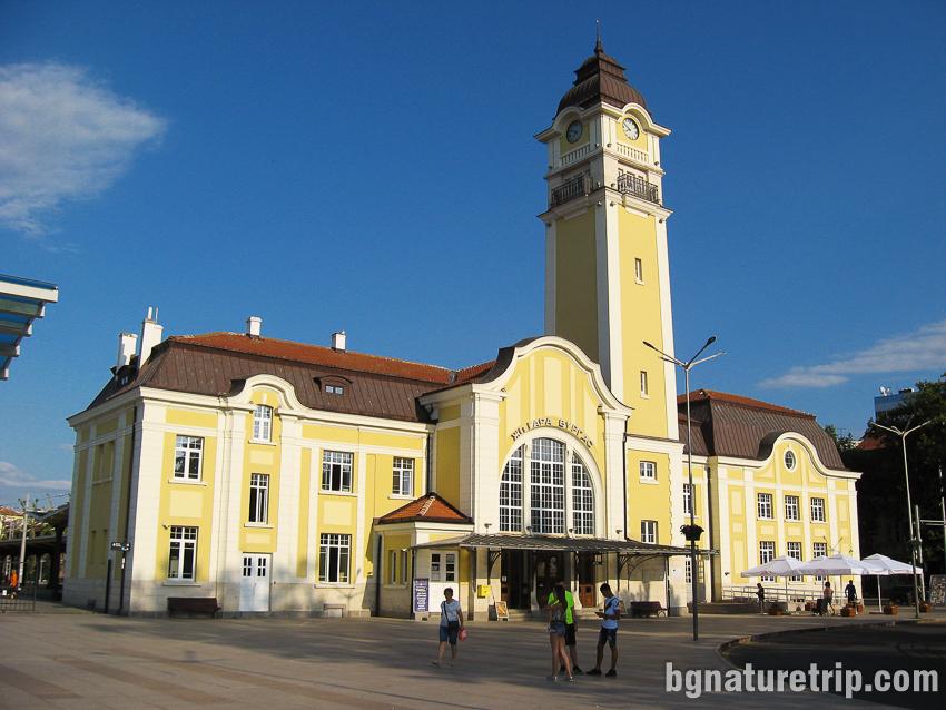 Железопътната гара на Бургас обявена за архитектурен паметник