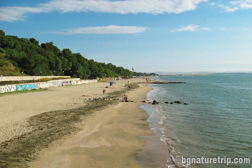 Плажът на Бургас в поглед от юг на север