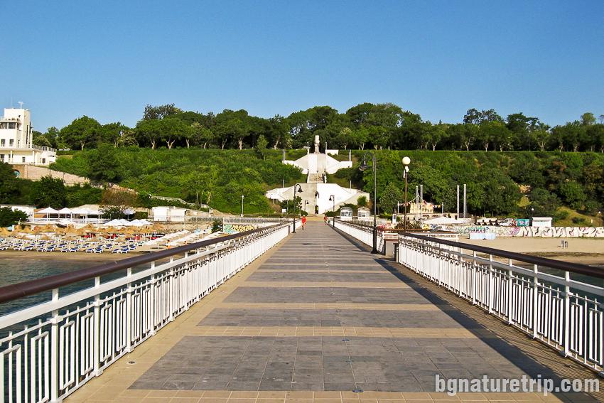 Разходка по мостика на Бургас