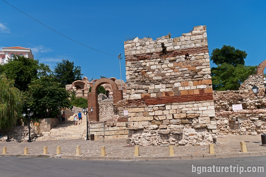 Крепостна кула в Несебър