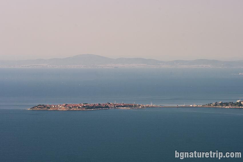Изглед към Несебър от планинската екопътека Свети Влас - Елените