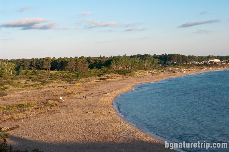 Изглед към целия плаж Корал от Лозенец