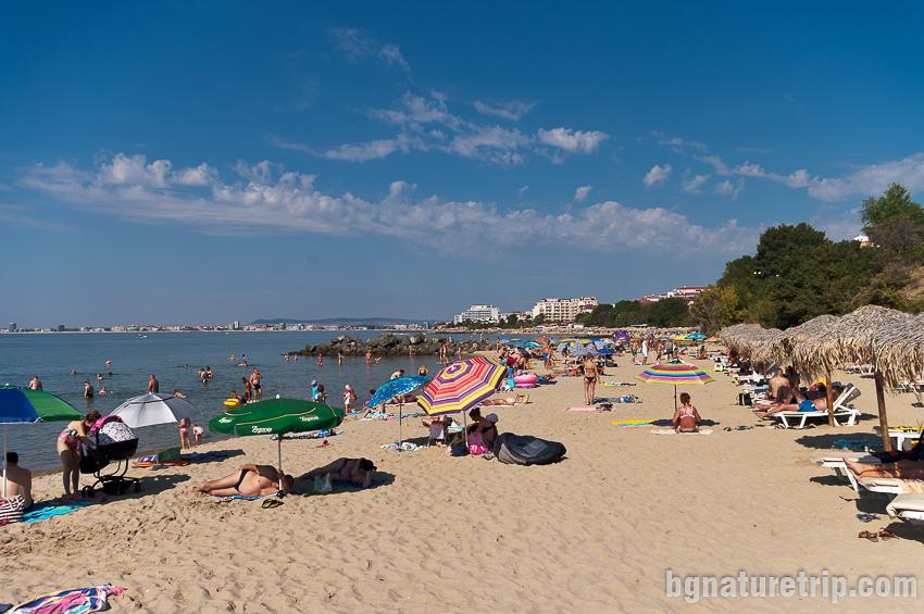 Друг изглед към Ценатрлен плаж на Свети Влас