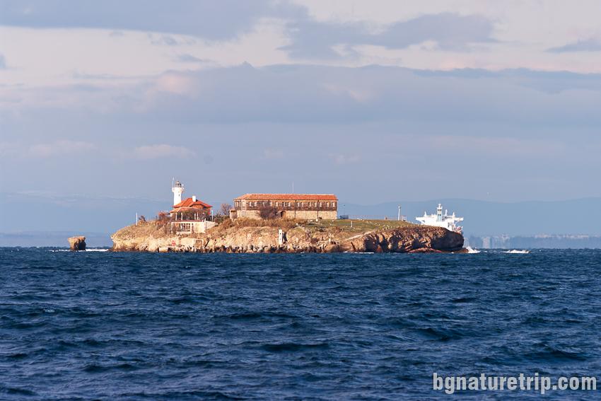 Остров Св. Анастасия  заснет от плажа на Парк Росенец